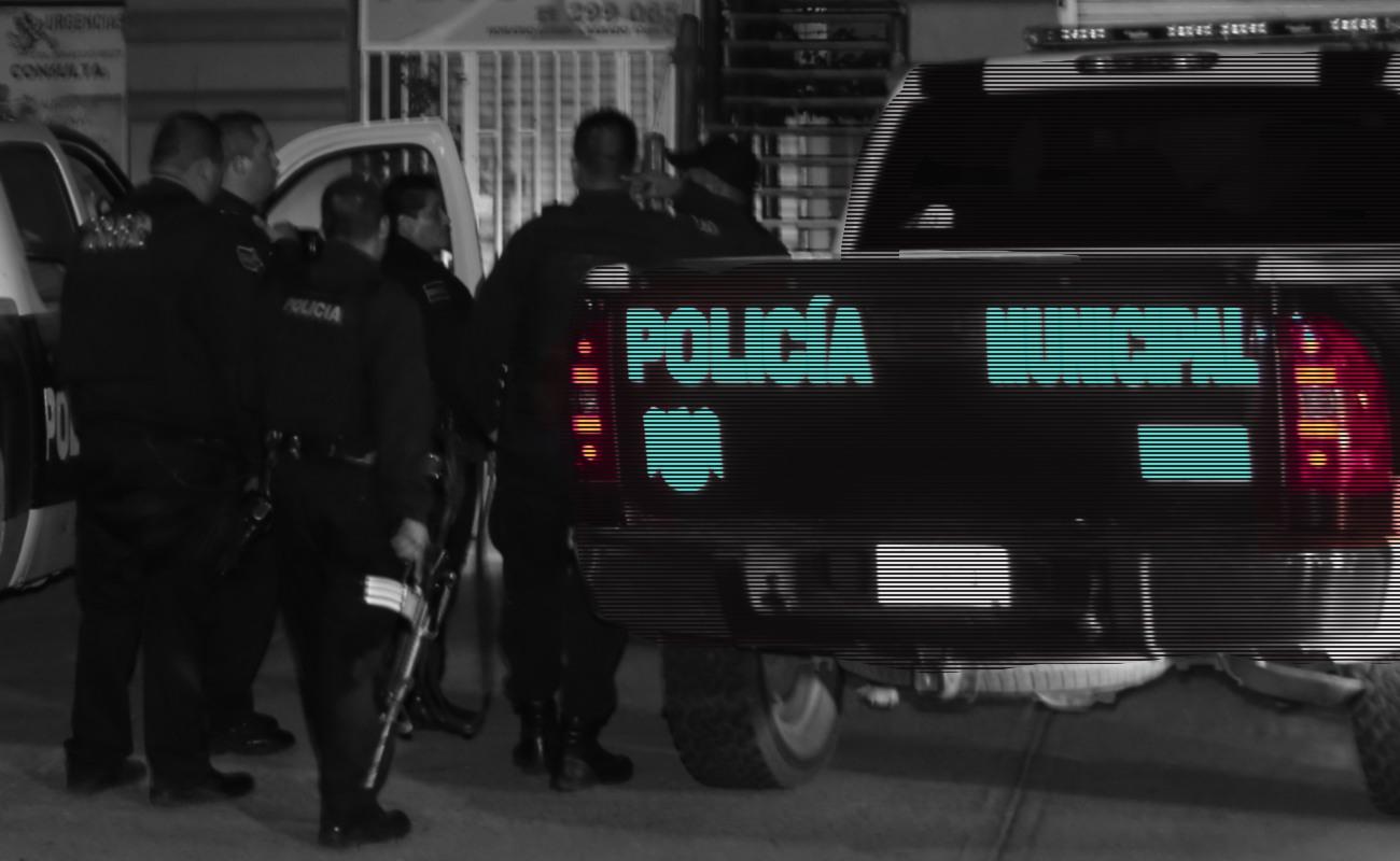 Reportan homicidio en capilla de panteón y joven ejecutado en la calle