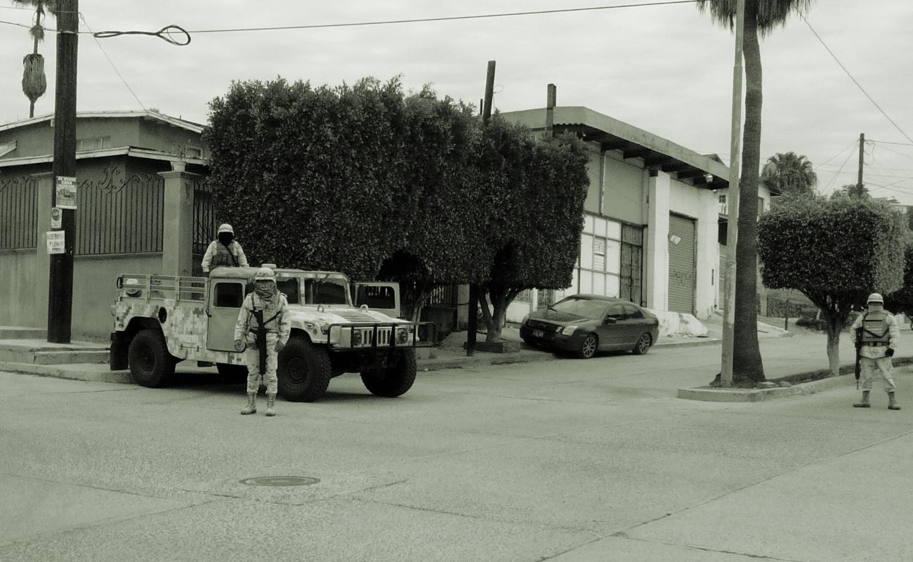 """Catean Ejército y FGR """"tiendita"""" en Ensenada"""