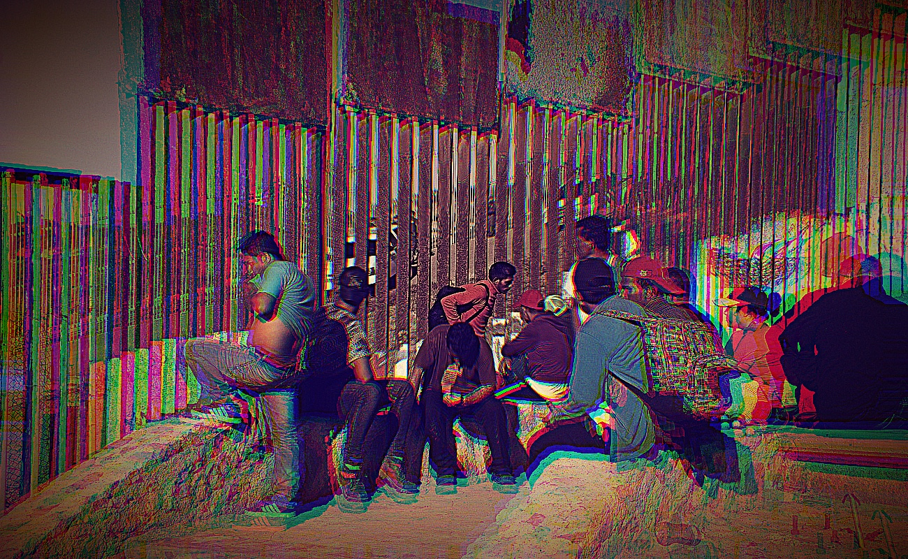 Centroamericanos cruzan para entregarse a Patrulla Fronteriza también por Tijuana