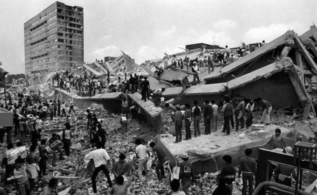 """""""En el terremoto del 85 trabajamos con uñas y dientes"""""""