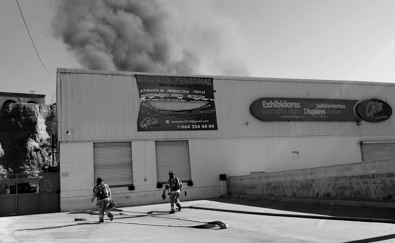 Se incendia negocio ubicado frente al parque Morelos
