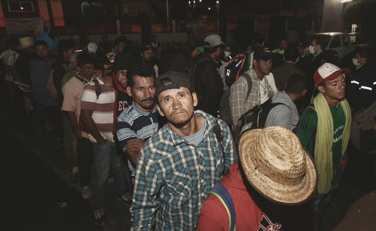 Segunda caravana migrante permanece en Oaxaca; se quejan de abandono de los mexicanos