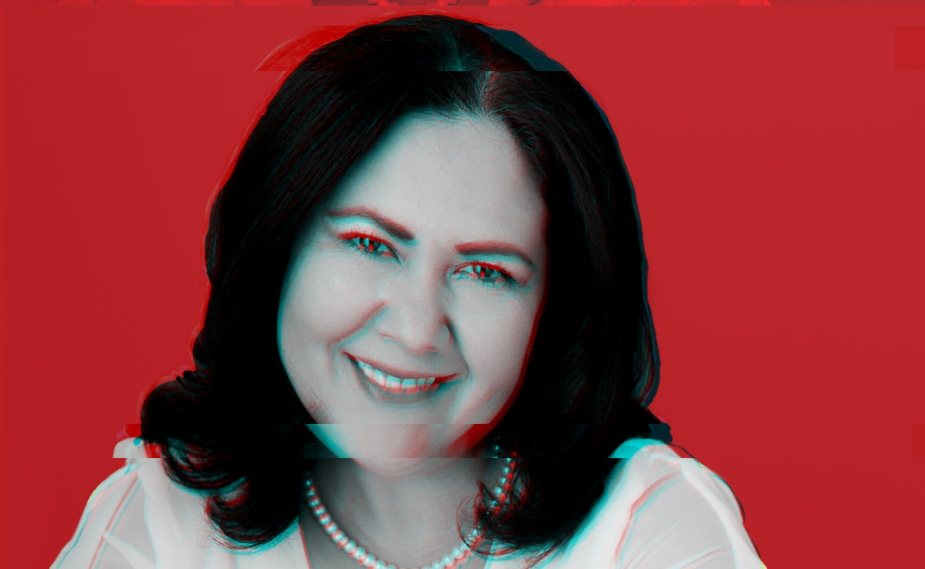 "Recibe ""Lady Champange"" constancia de senadora electa"