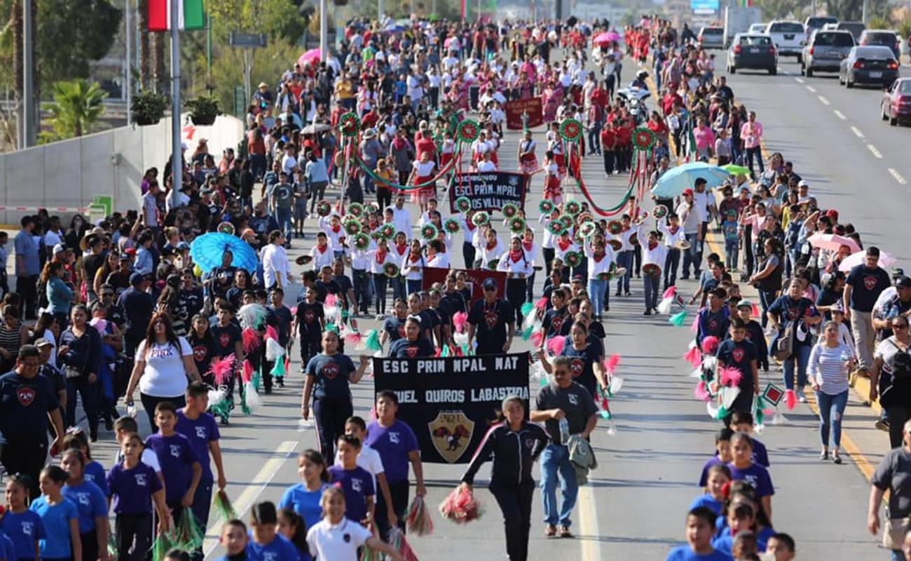 Vistoso y concurrido desfile revolucionario en Tijuana