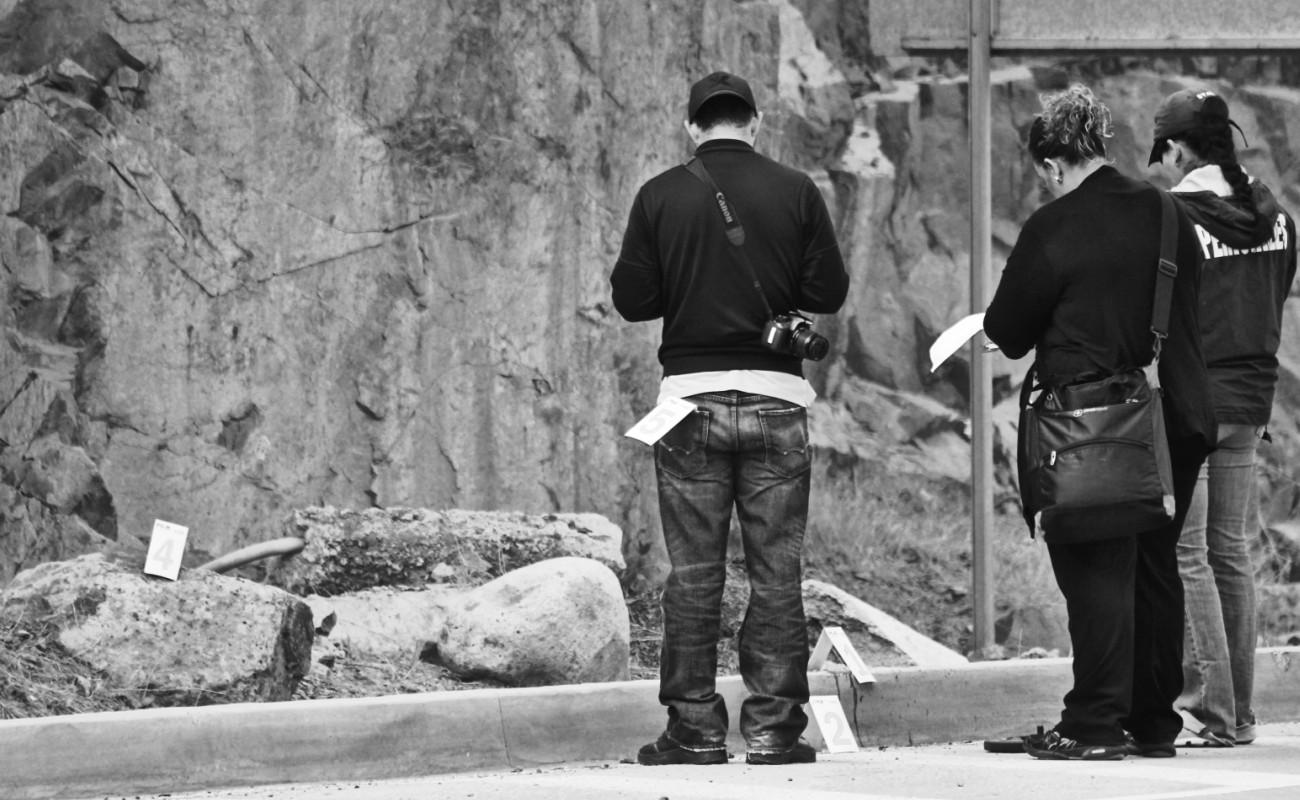 Asesinan cuatro hombres y hallan restos desmembrados y putrefactos de mujer