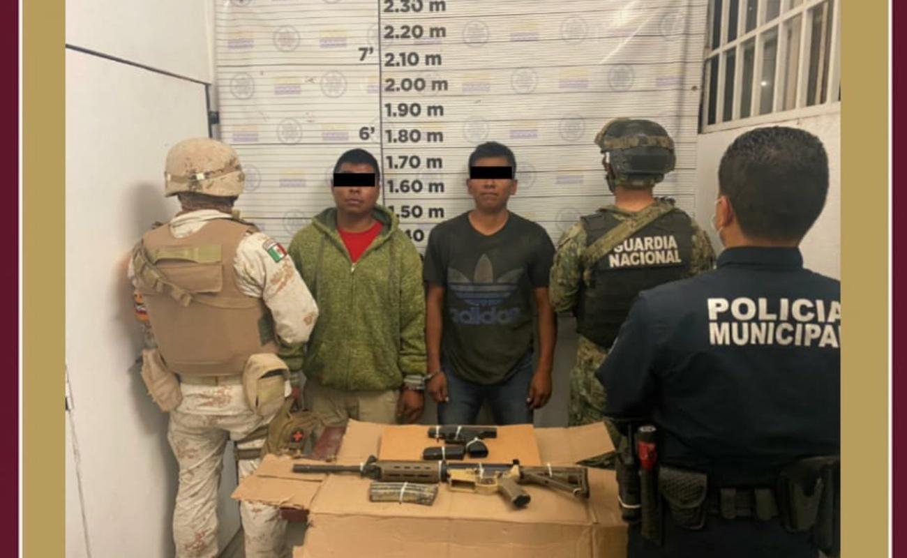Detenidos dos sujetos con armas de fuego en Rosarito