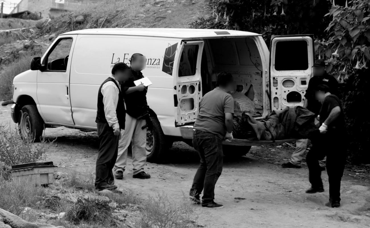 Asesinan a cuatro jóvenes y reportan restos desmembrados en maletas