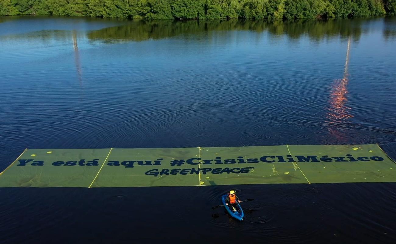 Protesta Greenpeace contra la política energética de AMLO