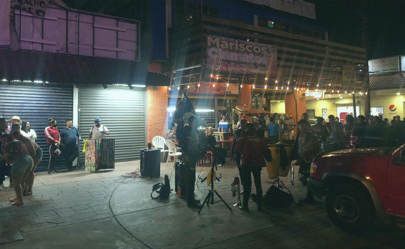 Sancionan a banda musical por tocar en la vía pública en Rosarito