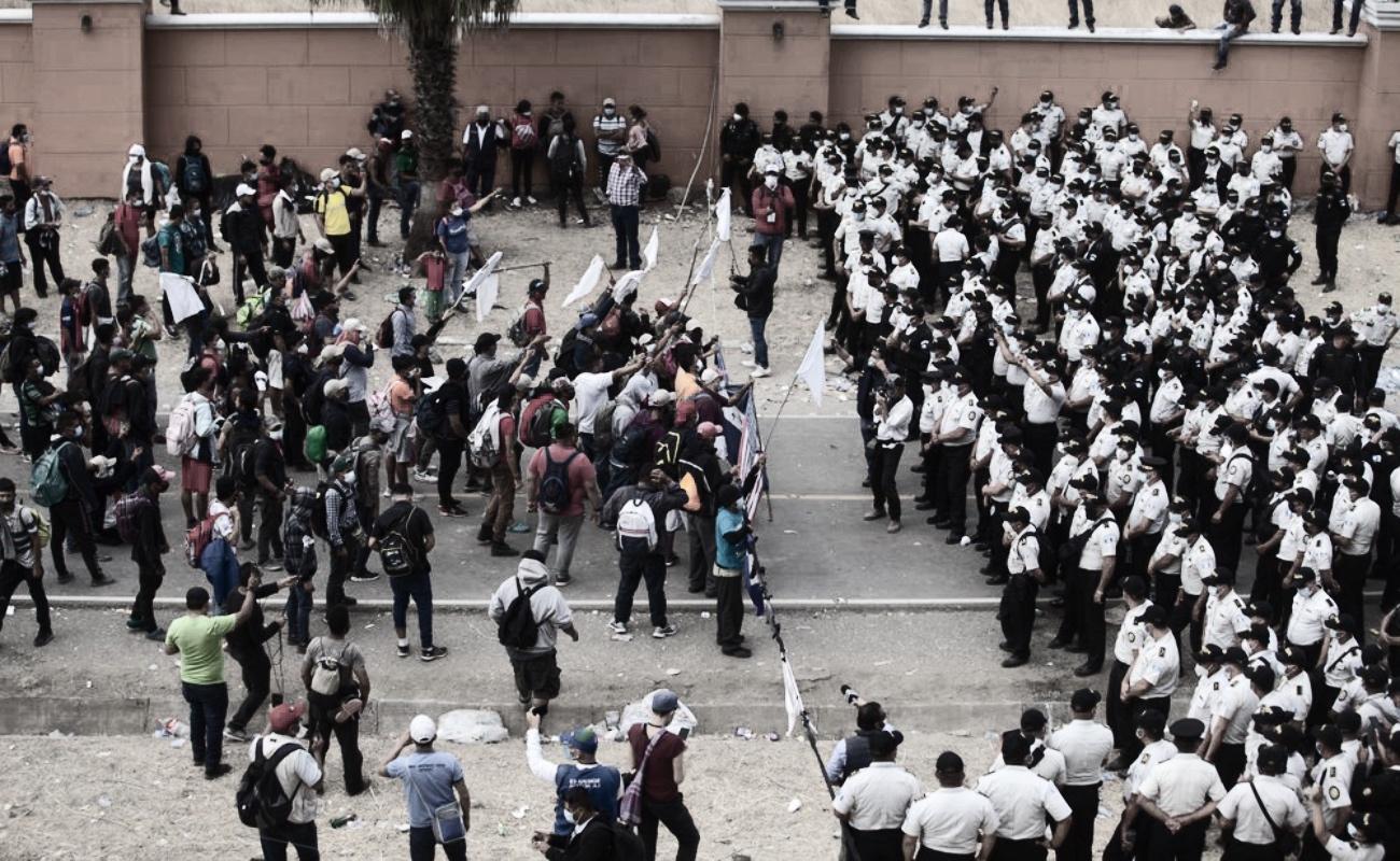 Guatemala dispersa caravana de migrantes hondureños