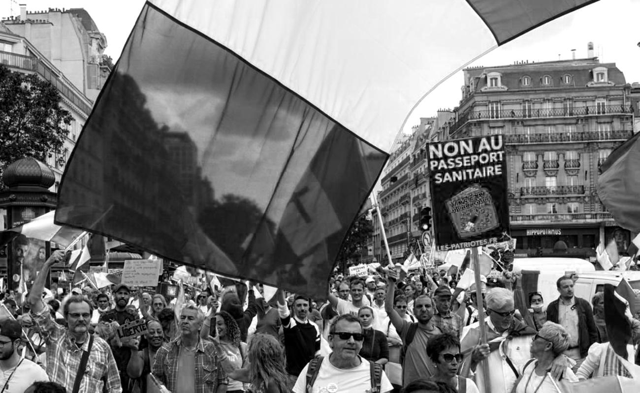 Protestan miles en Francia contra la ley sanitaria Covid-19