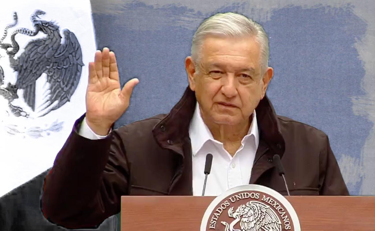 """López Obrador pidió a los familiares de normalistas """"no perder la esperanza"""""""
