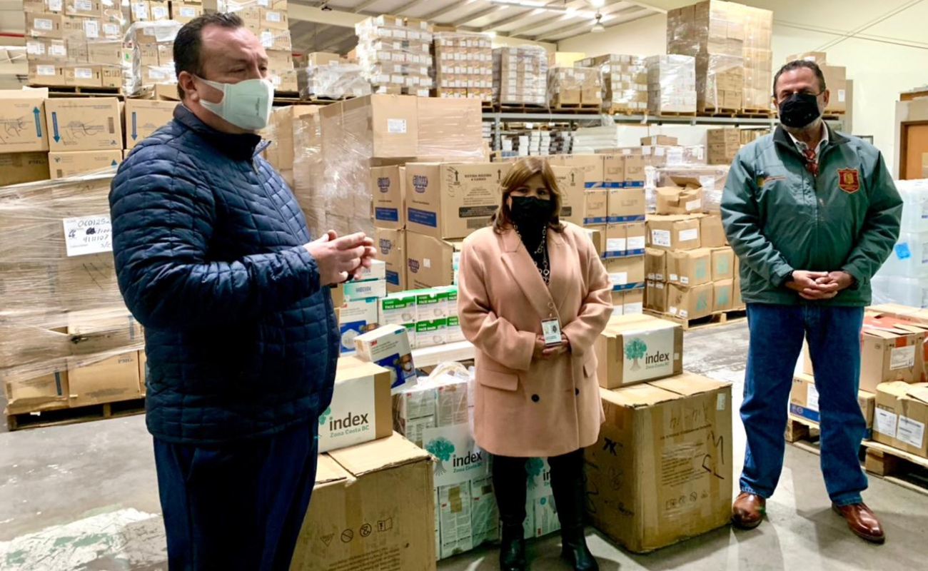 Industriales maquiladores donan cubrebocas y guantes para personal médico de BC
