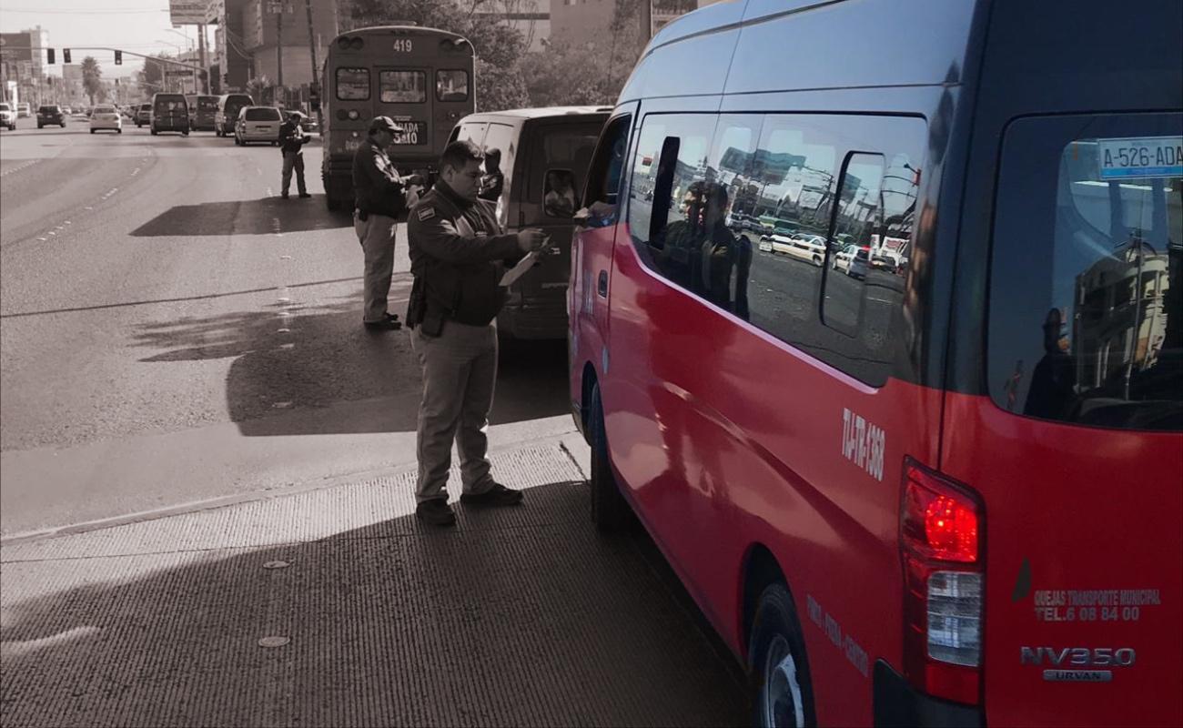 Detectan y sancionan taxis hasta con 21 pasajeros; el cupo es de 11