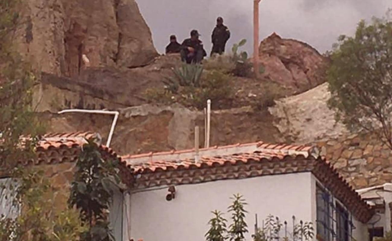 Con sobrevuelo de drones vigilan embajada mexicana en Bolivia