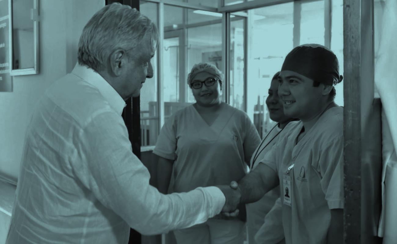 Ofrece López Obrador mejorar sistema de salud y formar más médicos