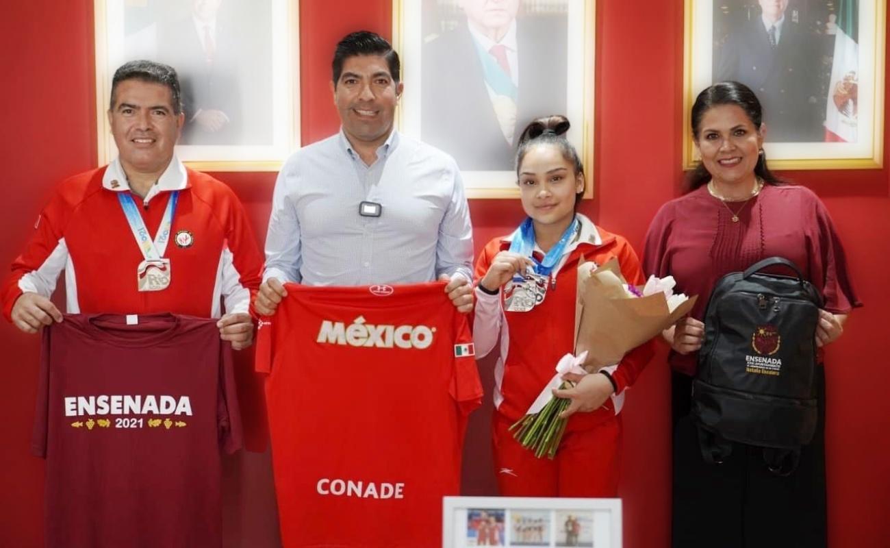 Reconocen a gimnastas ensenadenses Natalia Escalera e Isaac Núñez