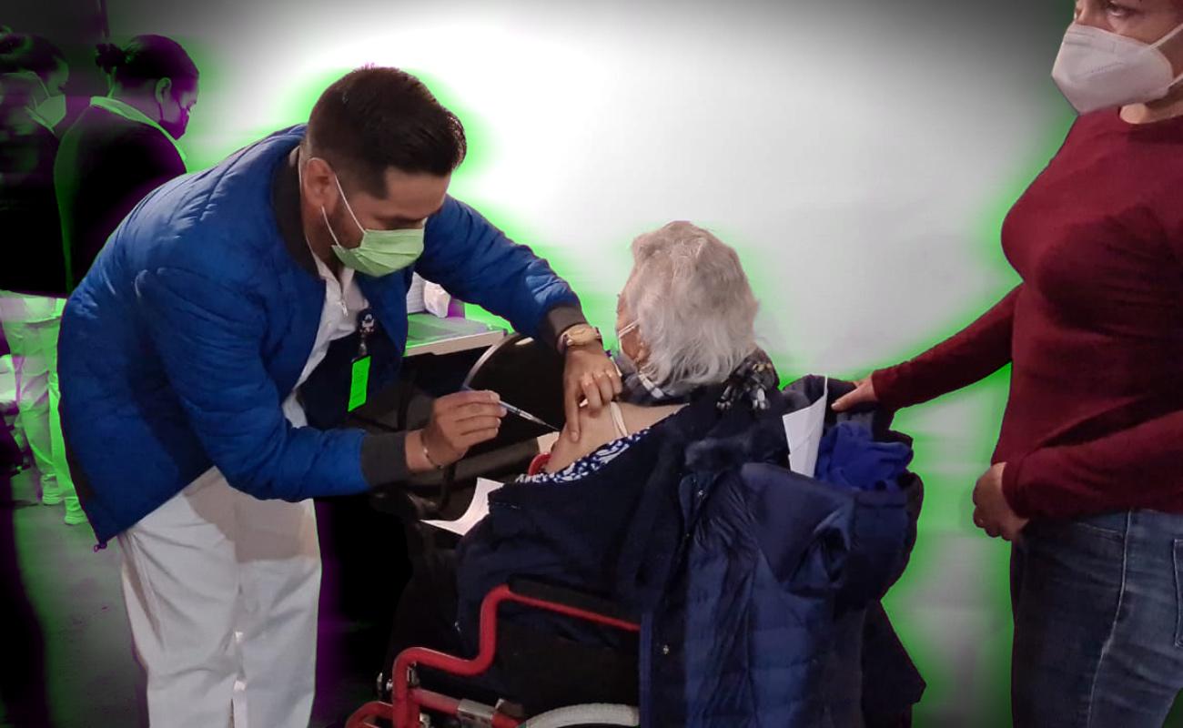 Inicia vacunación contra Covid en adultos mayores de Tecate