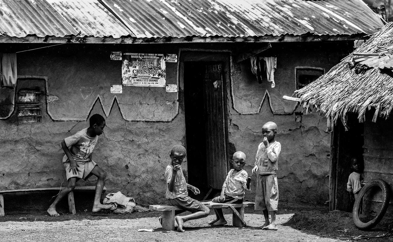 Brote de ébola en República Democrática del Congo causa casi 200 muertos