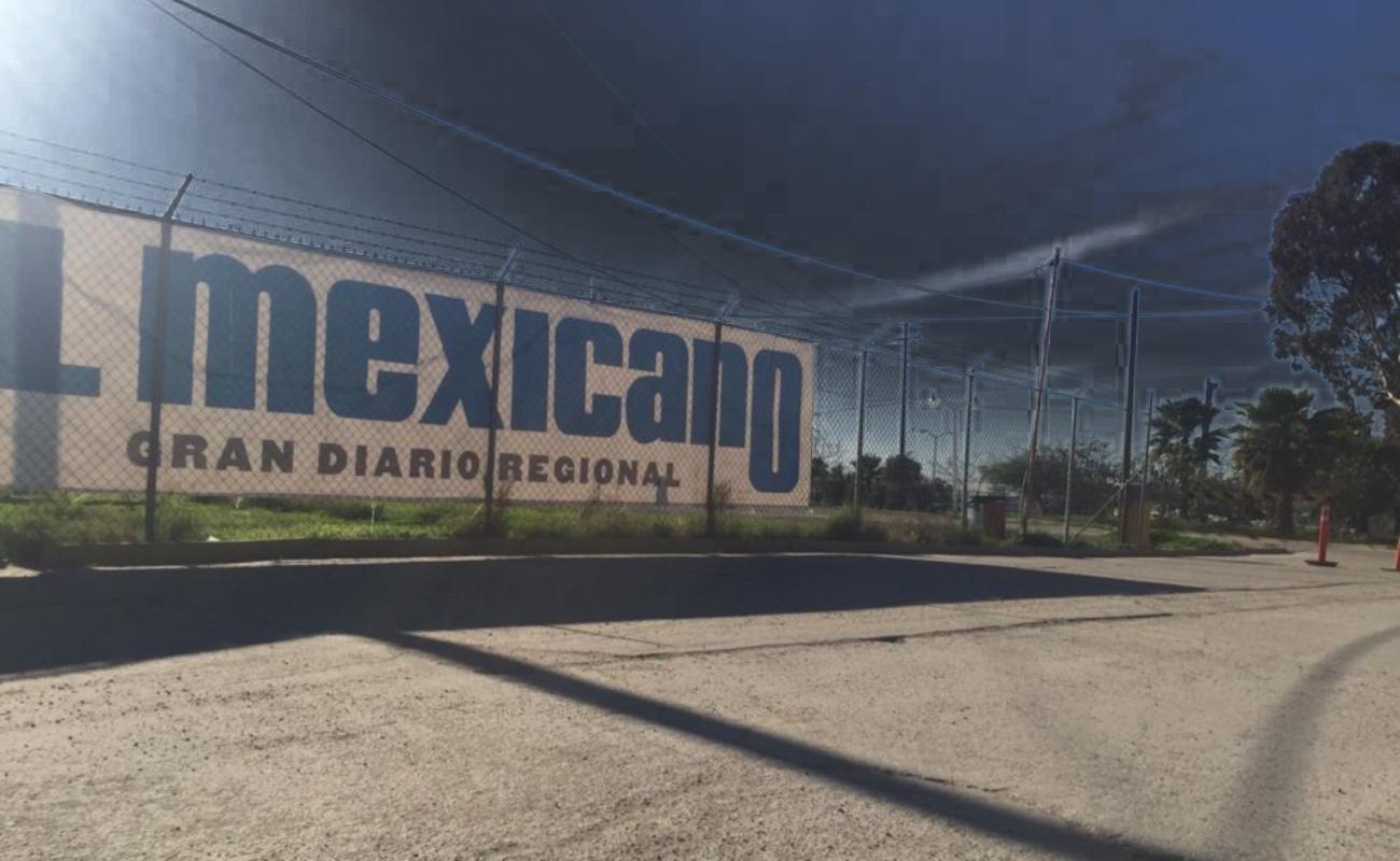 Eligio Valencia emplaza a huelga al periódico EL MEXICANO