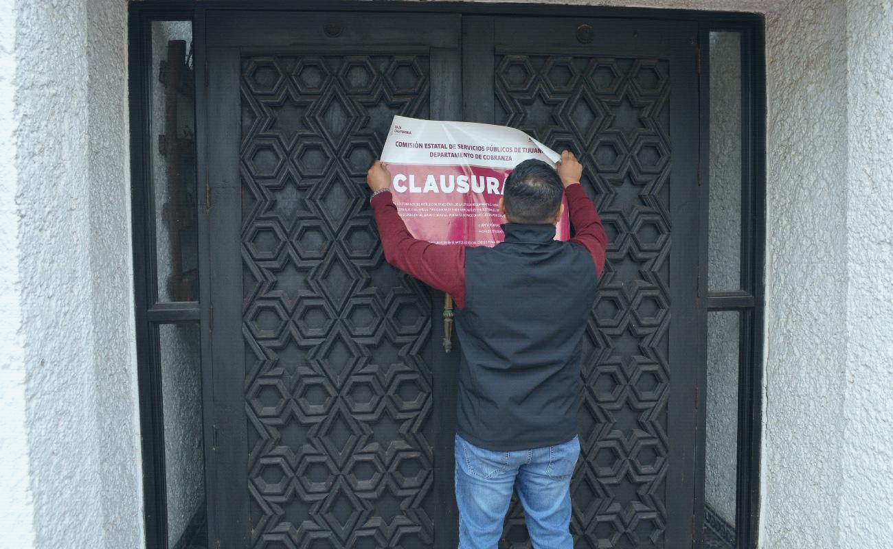 """Clausuran hotel """"Las Rocas"""", por adeudo de 800 mil pesos en consumo de agua"""