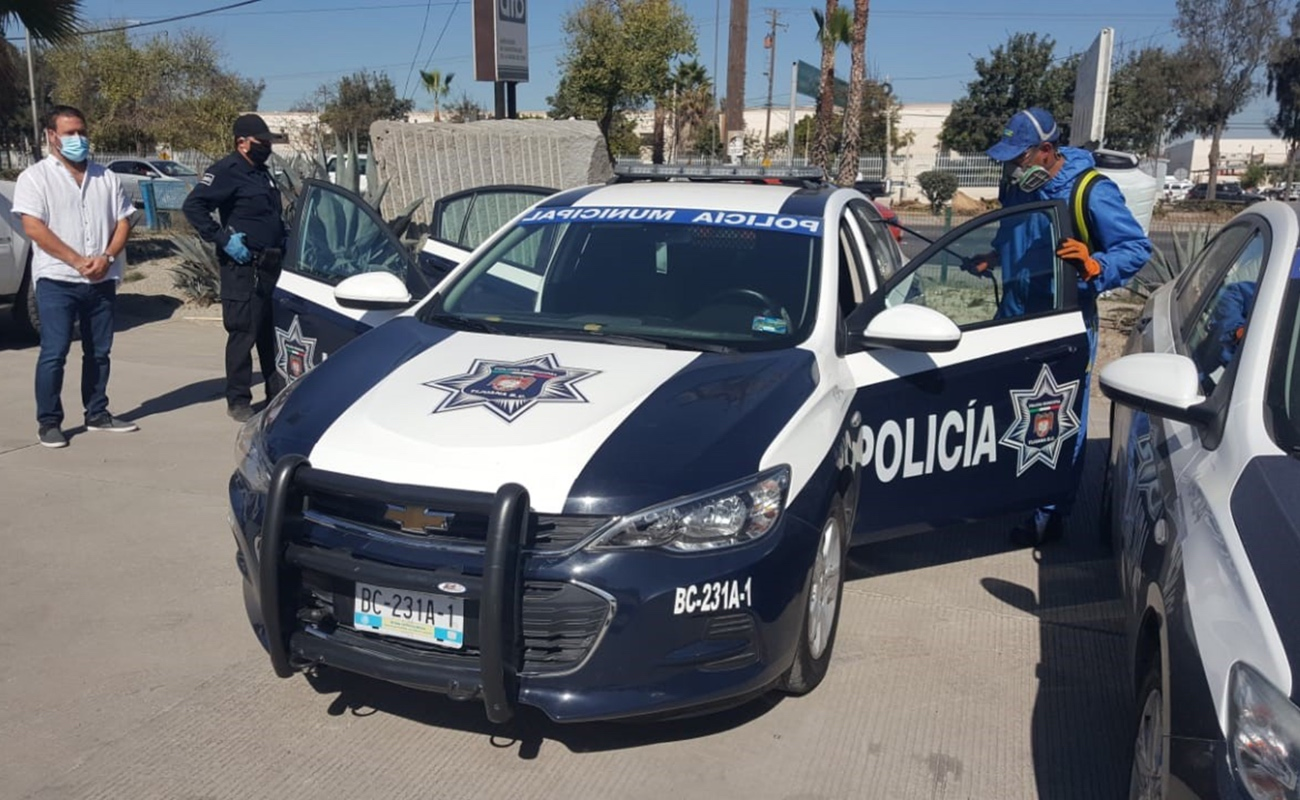 Industriales de Mesa de Otay desinfectan patrullas de la policía municipal