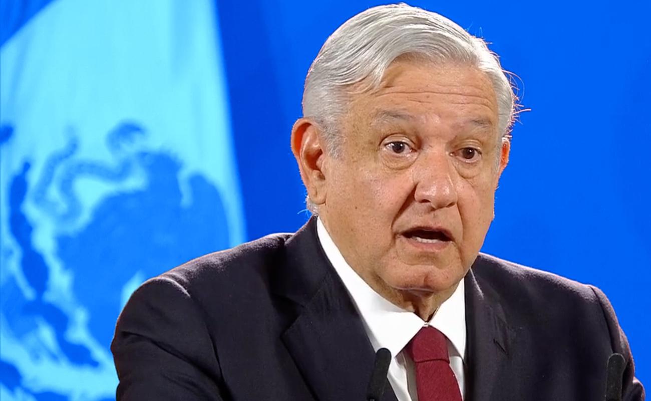"""""""Me voy a poner el tapabocas cuando se acabe la corrupción"""": López Obrador"""
