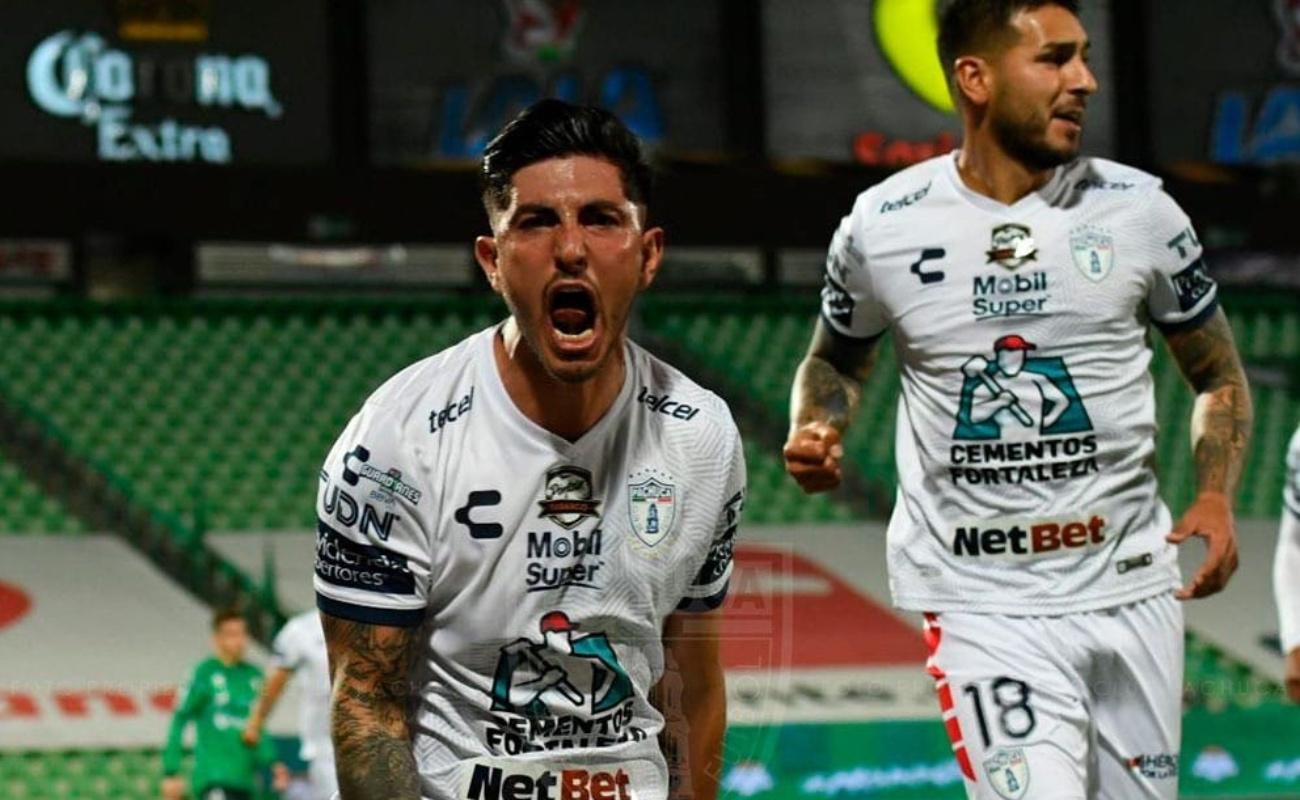 Pachuca vence 3-0 a Santos y avanza a la liguilla de la Liga MX
