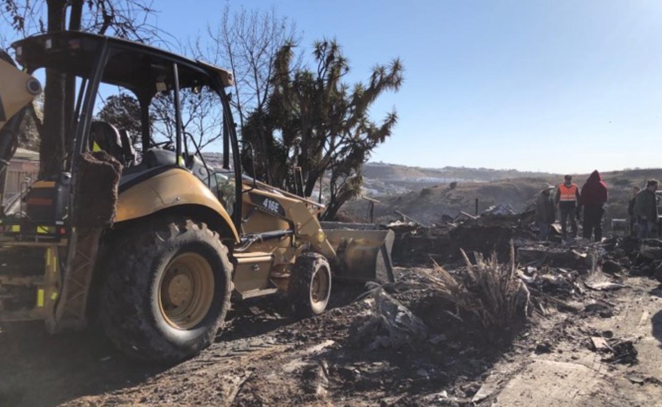 Estiman en 70 mdp daños por incendios propagados por vientos en Tijuana