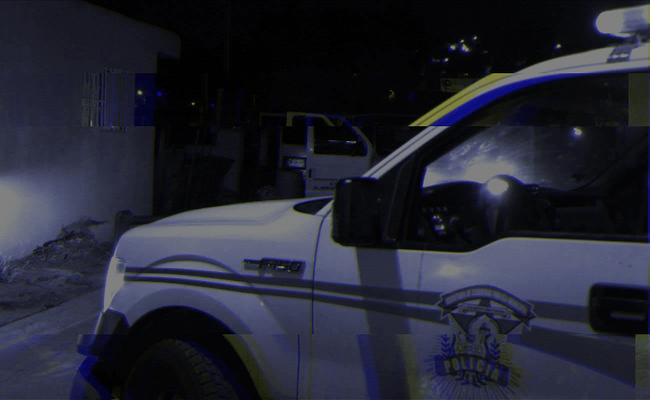 Taxista intenta apuñalar a policía municipal