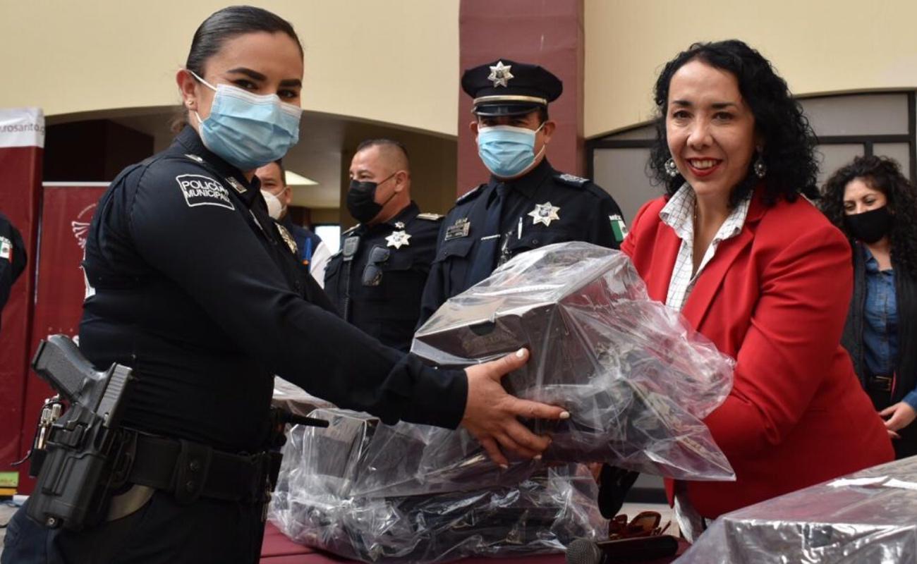 Dotan de 500 uniformes a la Policía Municipal de Rosarito