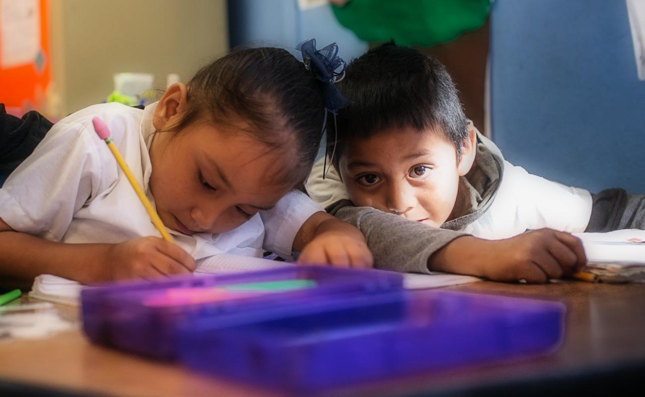 Ciclo escolar continuará a distancia en BC; regreso a aulas hasta semáforo verde y a criterio de padres