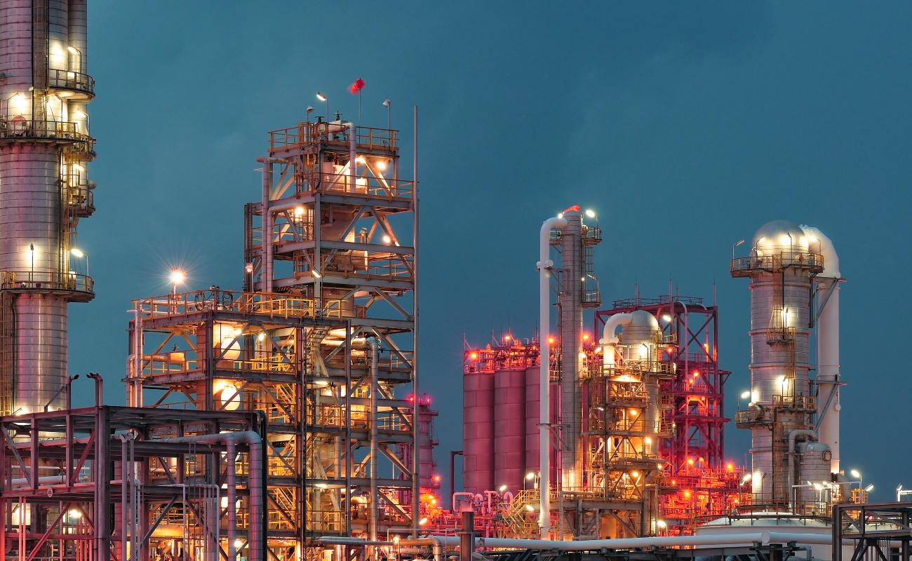 Anuncia el Gobierno que a fin de año se evaluarán contratos petroleros
