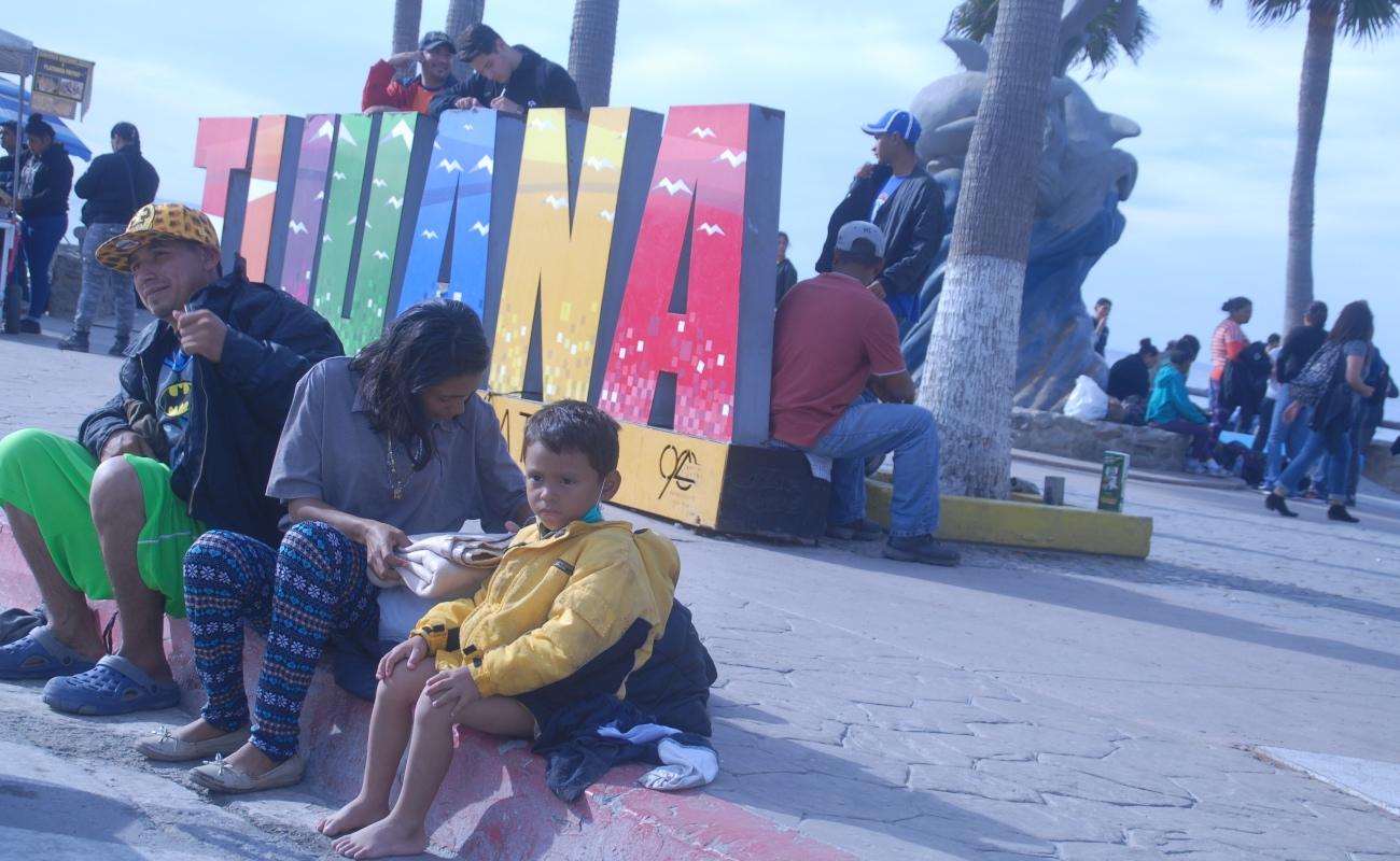 Acuerdan garantizar derechos de migrantes en Baja California