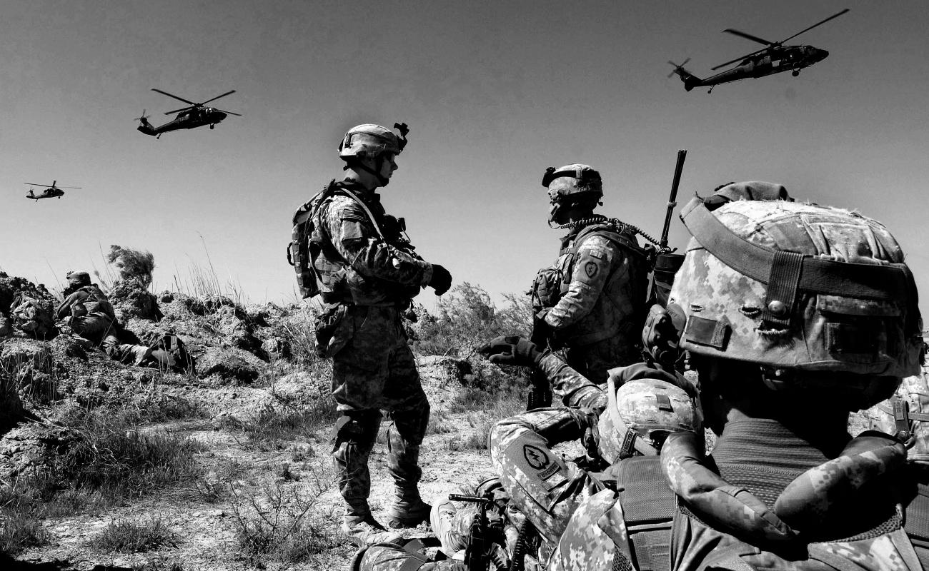 Enviará Trump militares a frenar a migrantes en la frontera