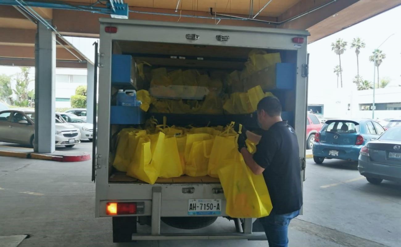 Donan Ejecutivos de Ventas kits de desinfección a Clínica 20 de IMSS