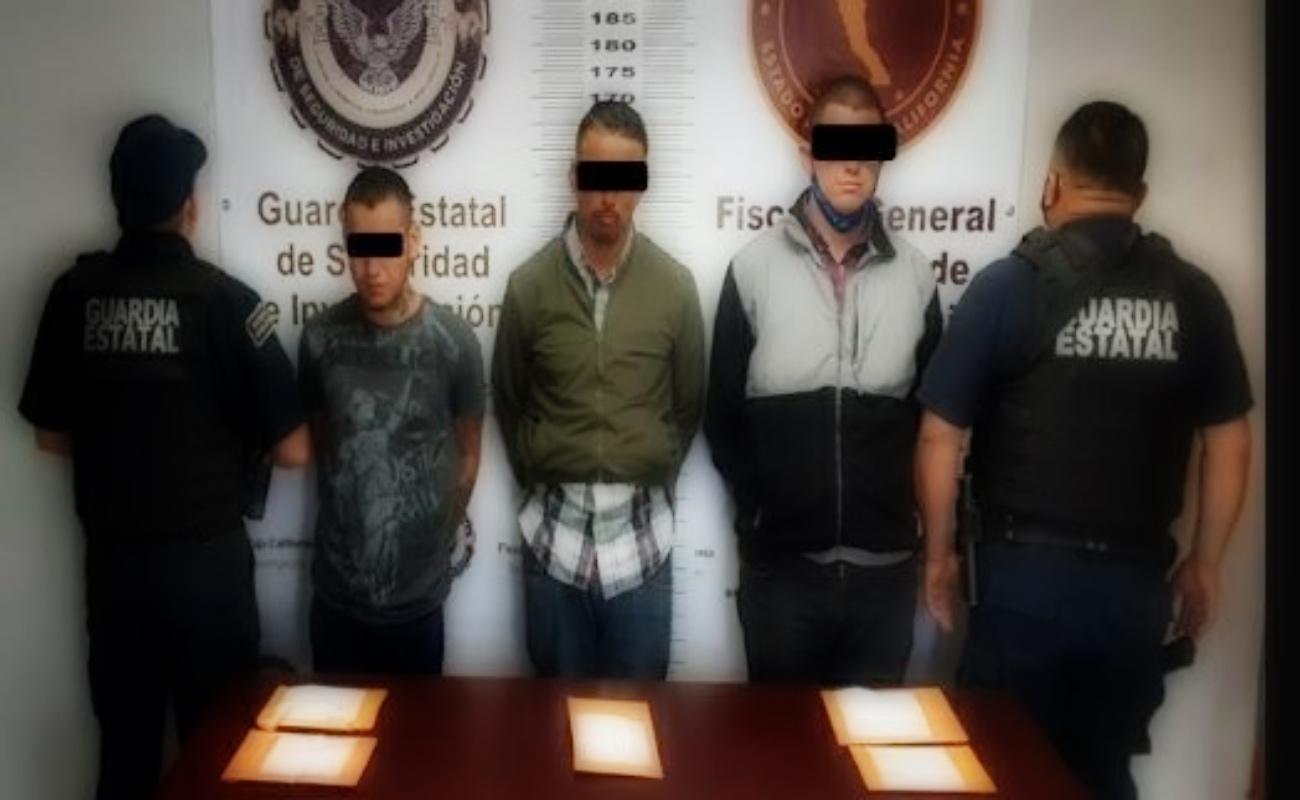 Capturan a tres narcomenudistas en Villa del Roble