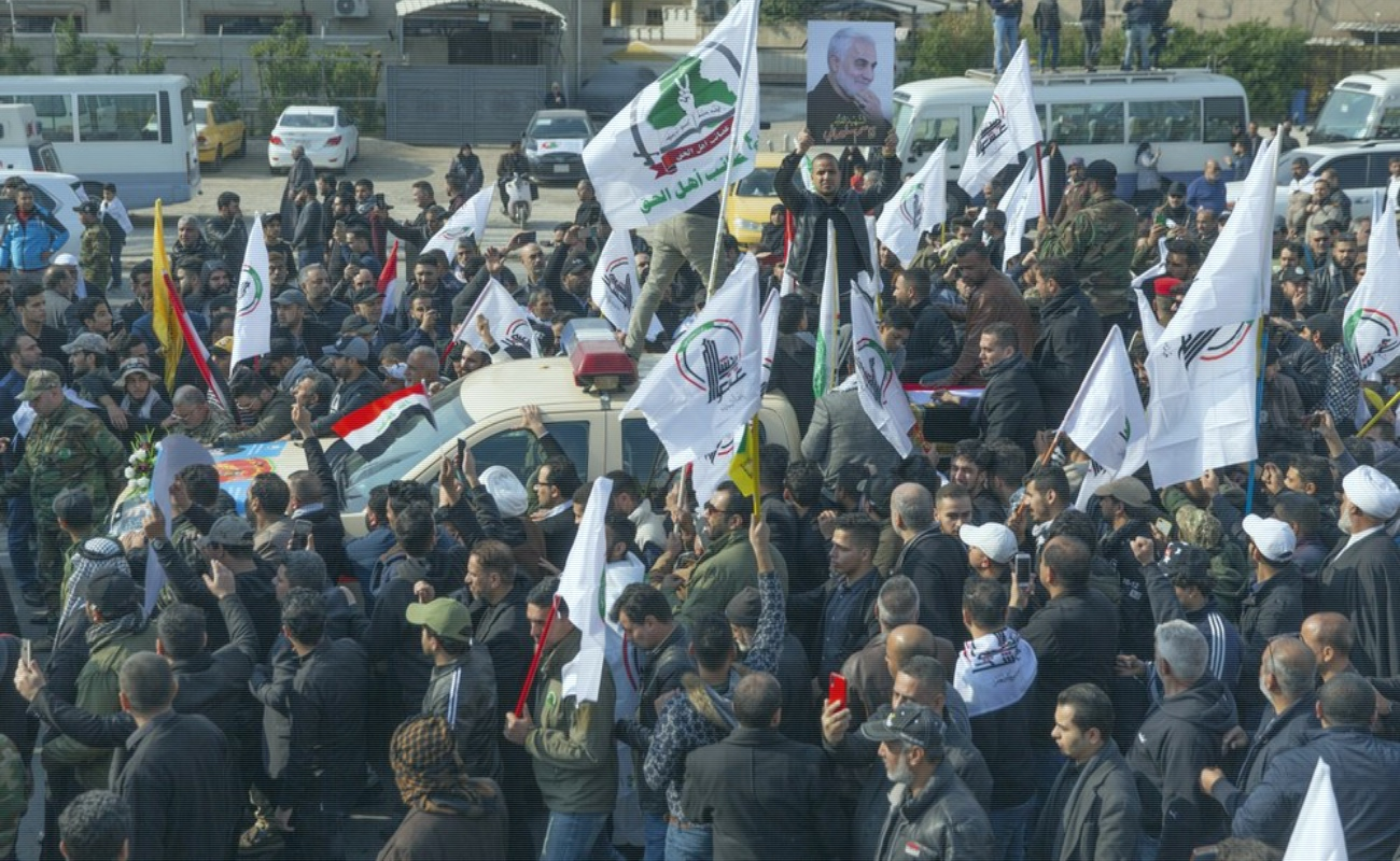Miles de iraquíes despiden al general Soleimani
