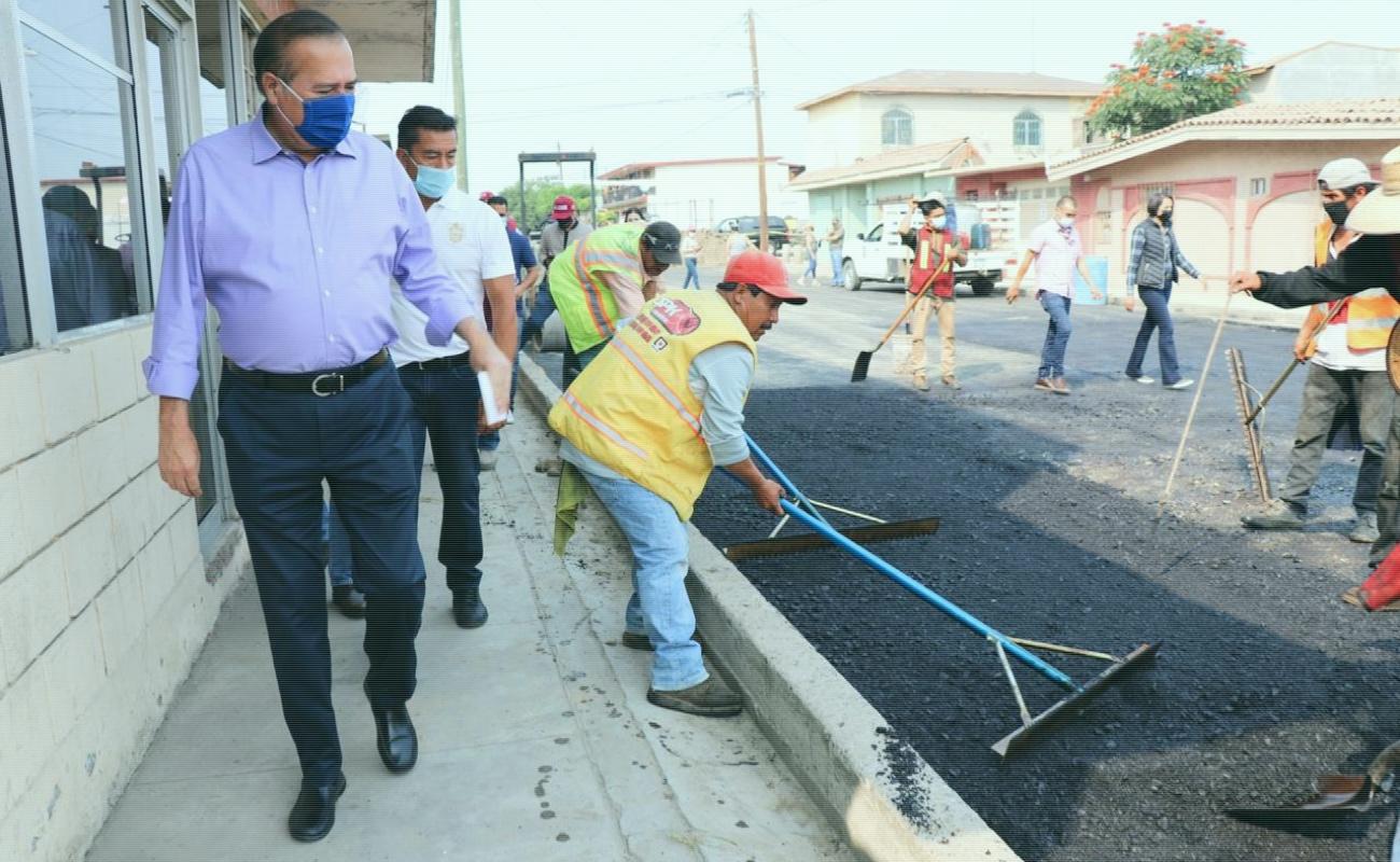 Realizan trabajos de pavimentación en las colonias Francisco Villa y Ejido Lázaro Cárdenas