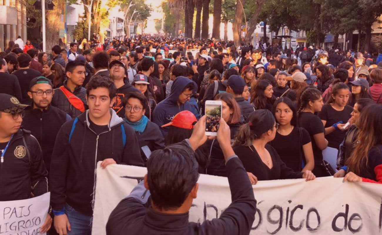 Realizan megamarcha para exigir justicia por multihomicidio en Puebla