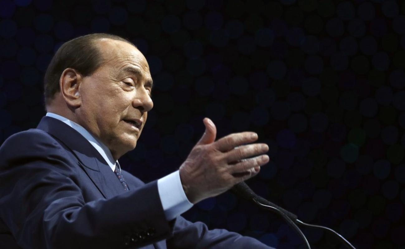 "Berlusconi dice luchar contra Covid-19, ""la enfermedad infernal"""