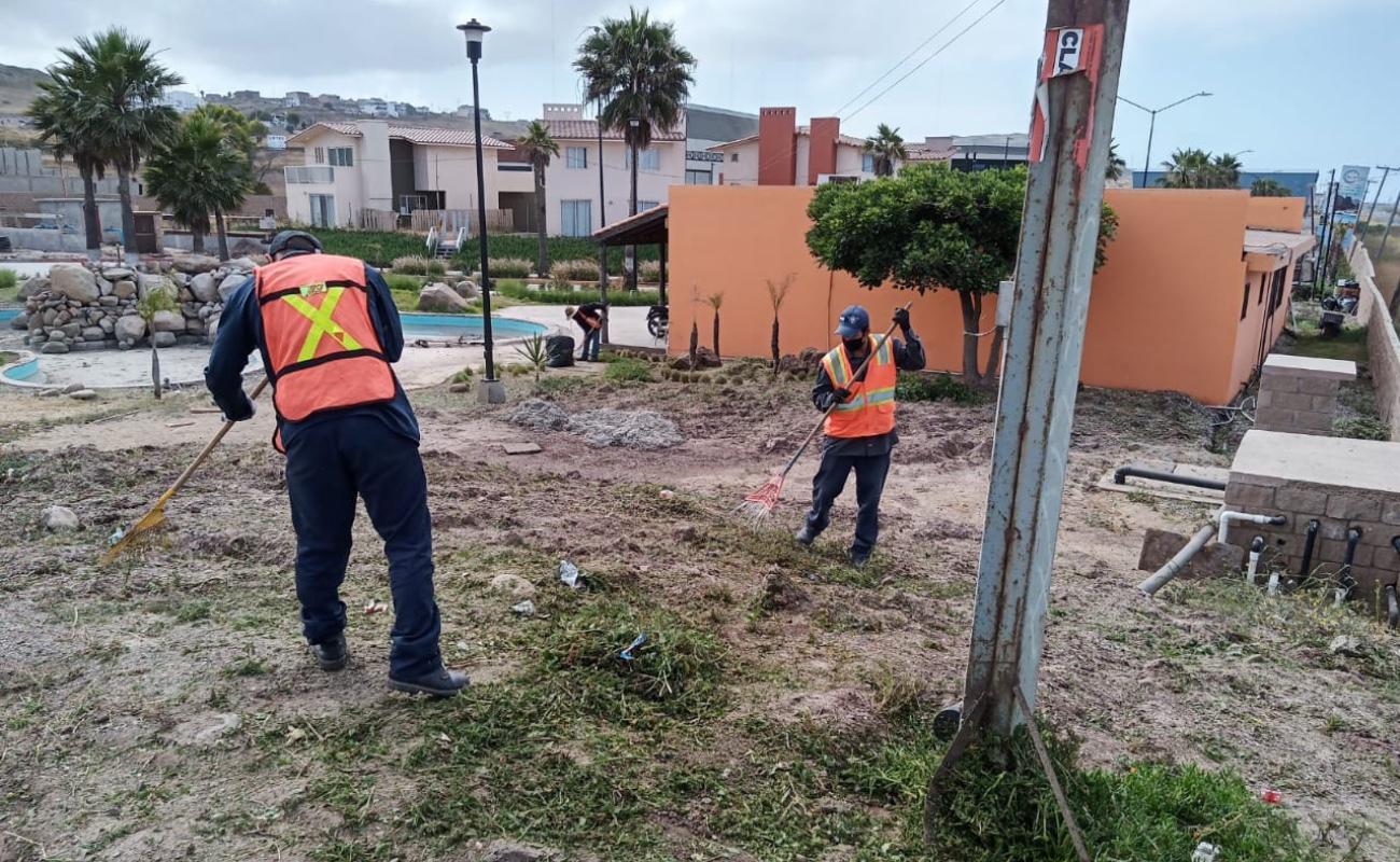 Continúan las tareas de limpieza en áreas de uso comunitario
