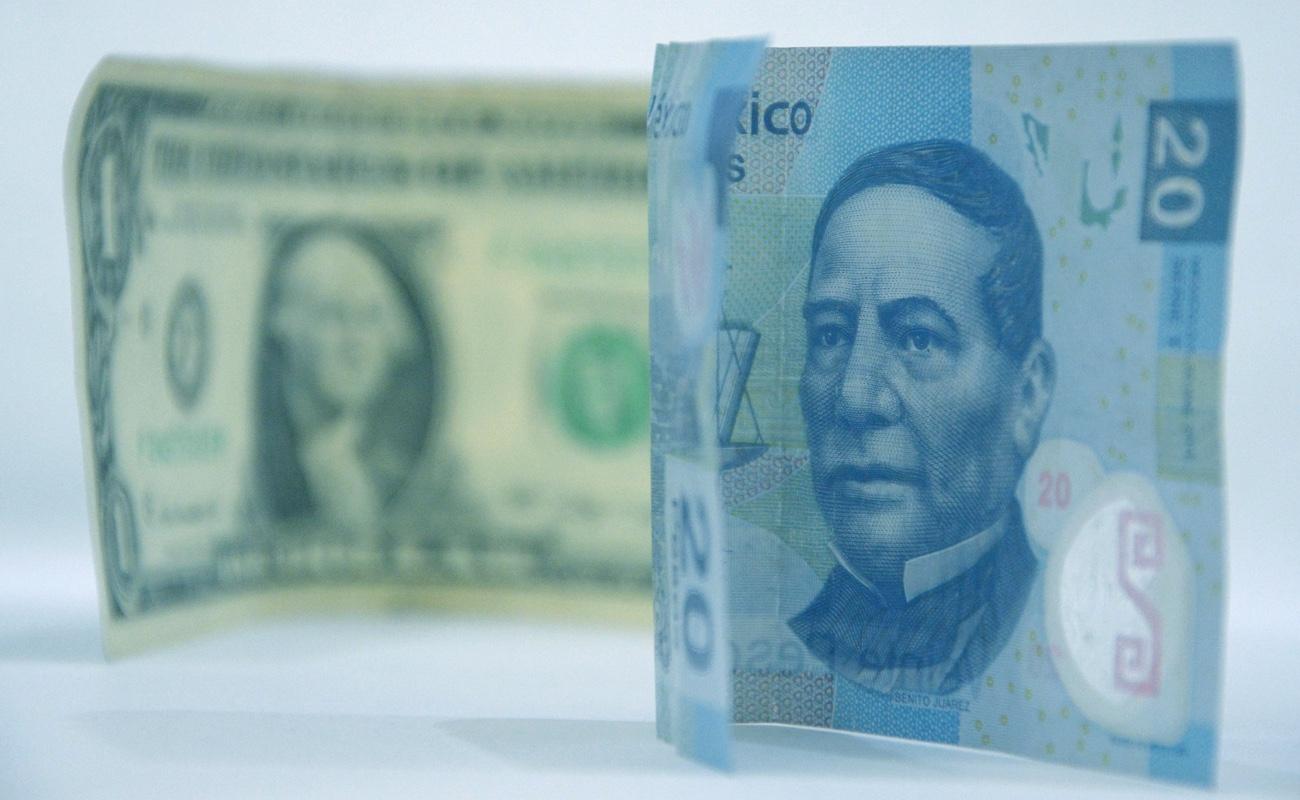 """Peso mexicano registra recuperación tras """"Lunes Negro"""""""