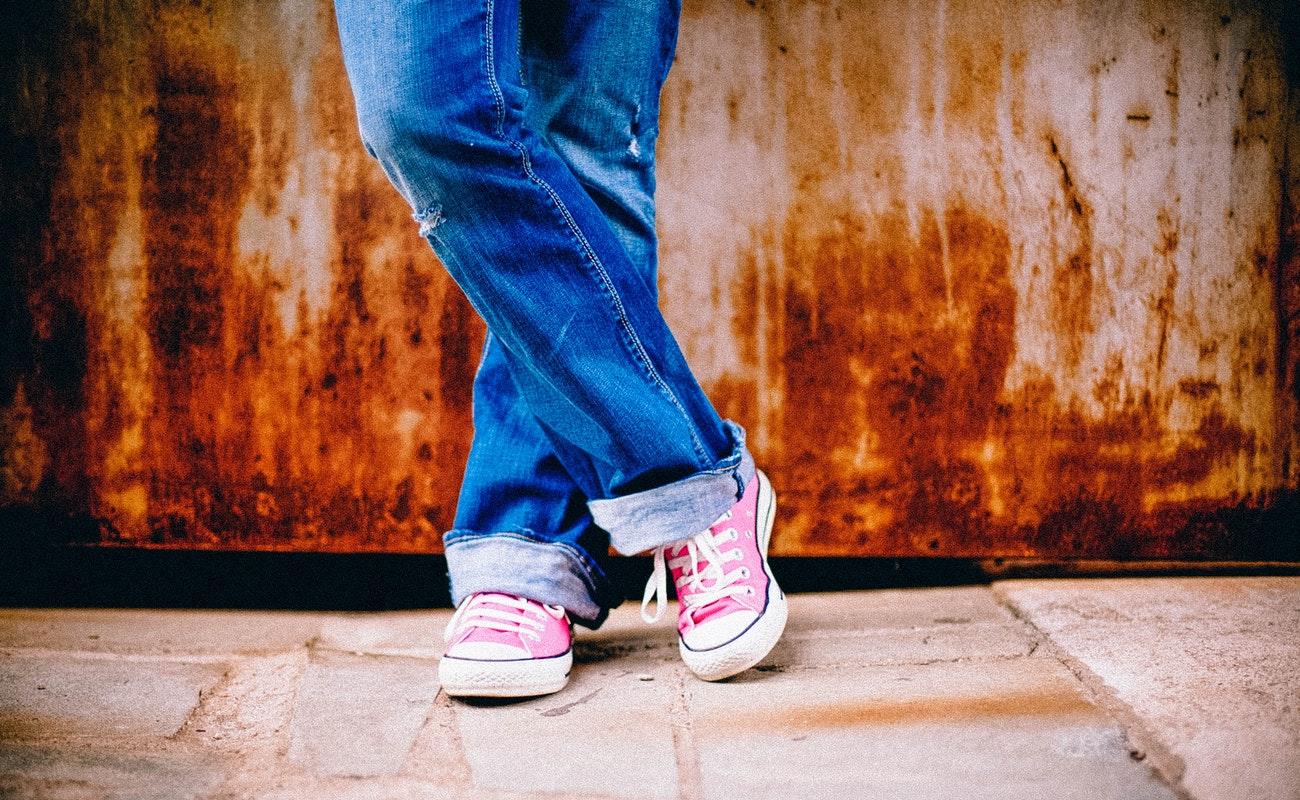 Químicos en artículos de tocador adelantarían la pubertad en las niñas