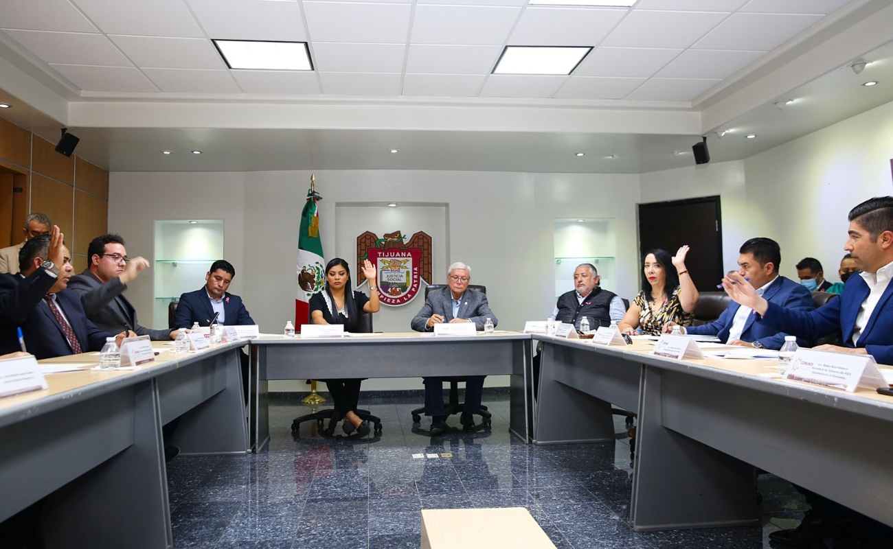 Crean alcaldes comité de municipios de Baja California
