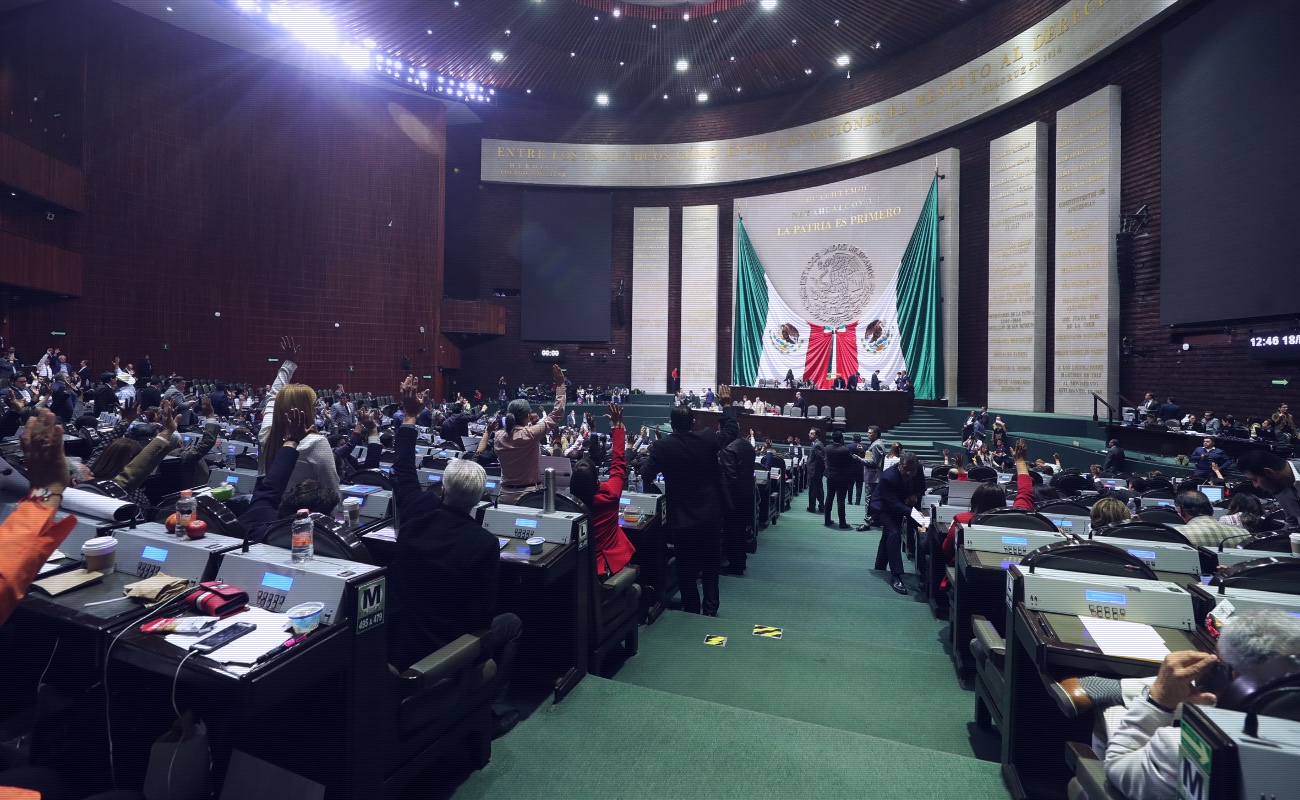 Aprueban diputados federales poder reelegirse