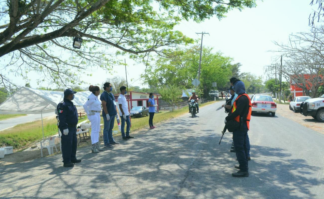 En Veracruz, tres municipios instalaron retenes para evitar ingreso
