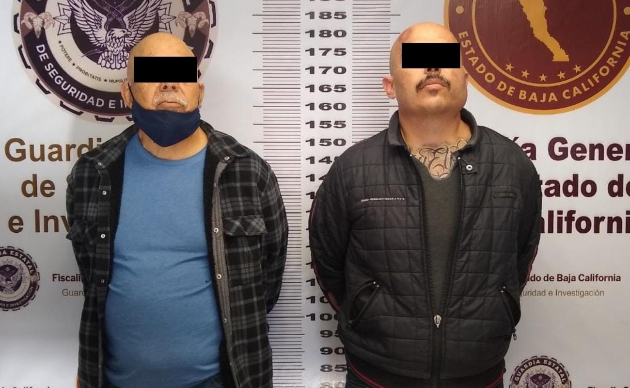 Detienen a dos hombres con metanfetamina, tras persecución