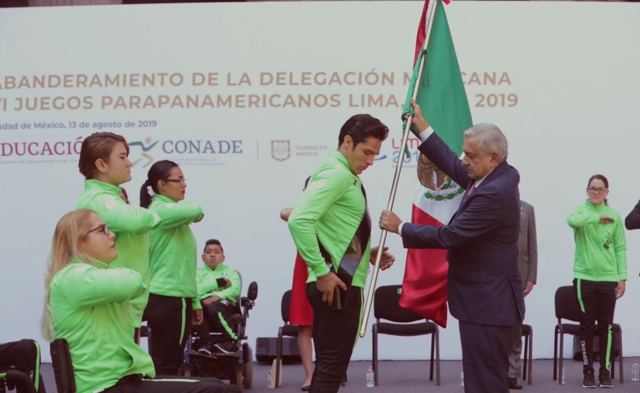 Atletas parapanamericanos recibirán también apoyos económicos: AMLO