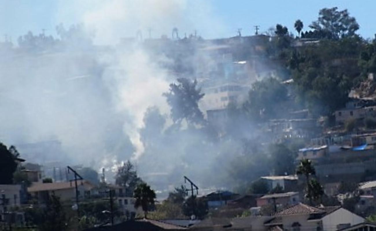 Pierden sus viviendas 42 familias tijuanenses en incendios por Santa Ana